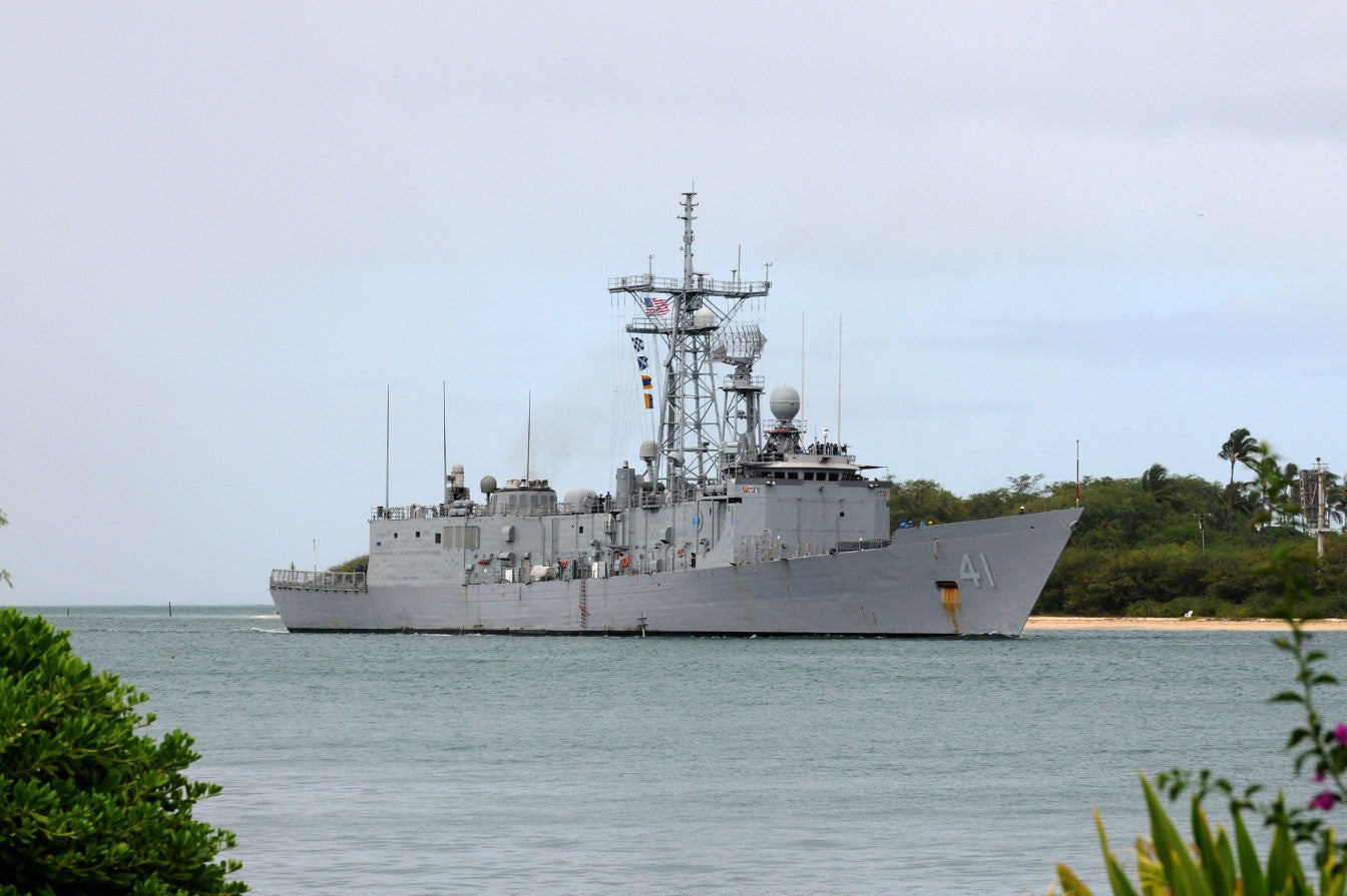 "USS McClusky FFG-41 returns to Joint Base Pearl Harbor-Hickam PEARL HARBOR (July 30, 2010) - 4"" x 6"" Photograph"