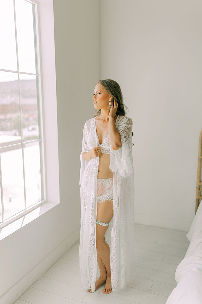 best lace robe malaysia bridal robe malaysia review top bridal lingerie malaysia bridal robe indonesia lace robe Indonesia  wedding photography bridesmaid robe maternity shoot maternity robe where to buy where to shop hen night party bachelorette robe