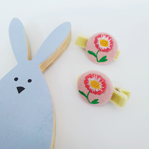 flower embroidery non-slip tongs pin | a pair of (2 colours)