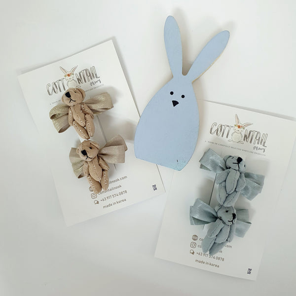 plushie bear non-slip tongs pin (2 colours) | a pair of