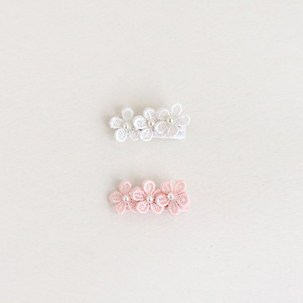 embroidered flower clip (2 colours)