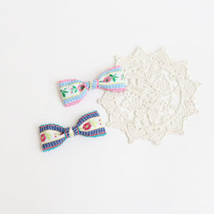 romantic flower embroidery ribbon non-slip pin (3 colours)