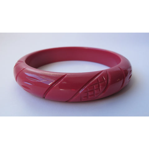 Midi Carved Bangle - Fuchsia