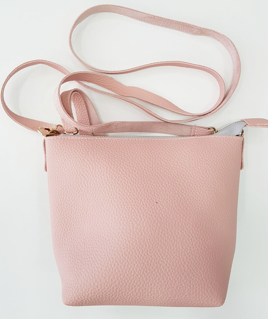 Soft artificial leather cross-body and shoulder bag (Pink / Grey)