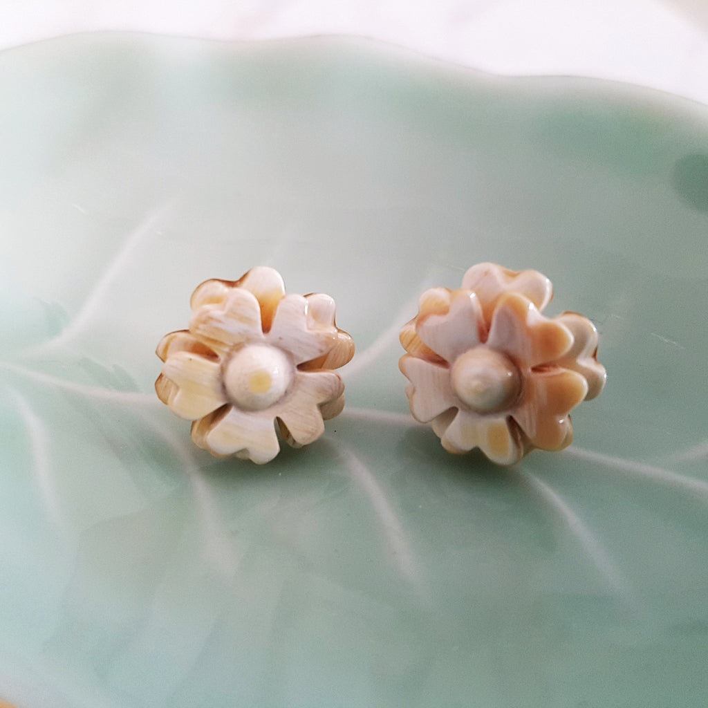 Charismatic Wanderlust Collection - Horn Earrings Flower Studs