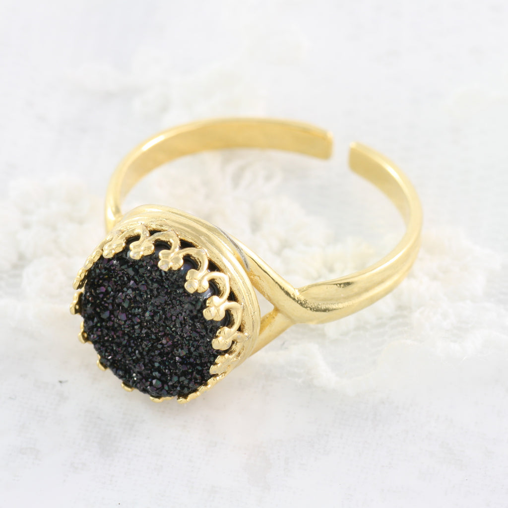 Adore Gemstone Collection - Druzy Round Pendant Ring