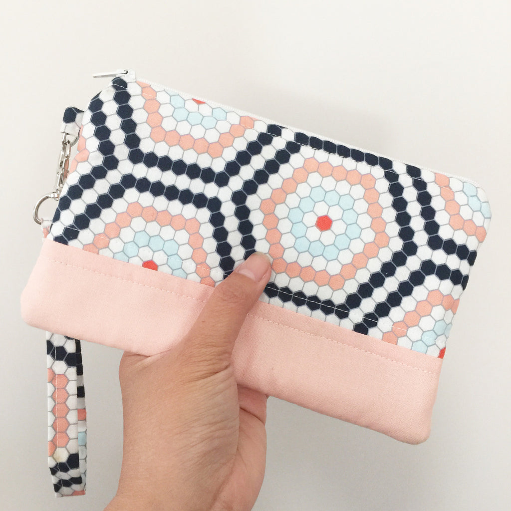 Simple Cotton Geometric Clutch