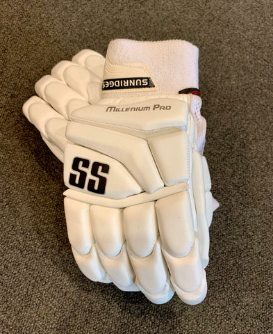 SS Millenium Pro - Players White Batting Gloves