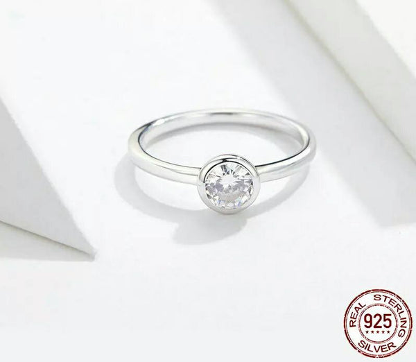 Exquisite Crystal Ring