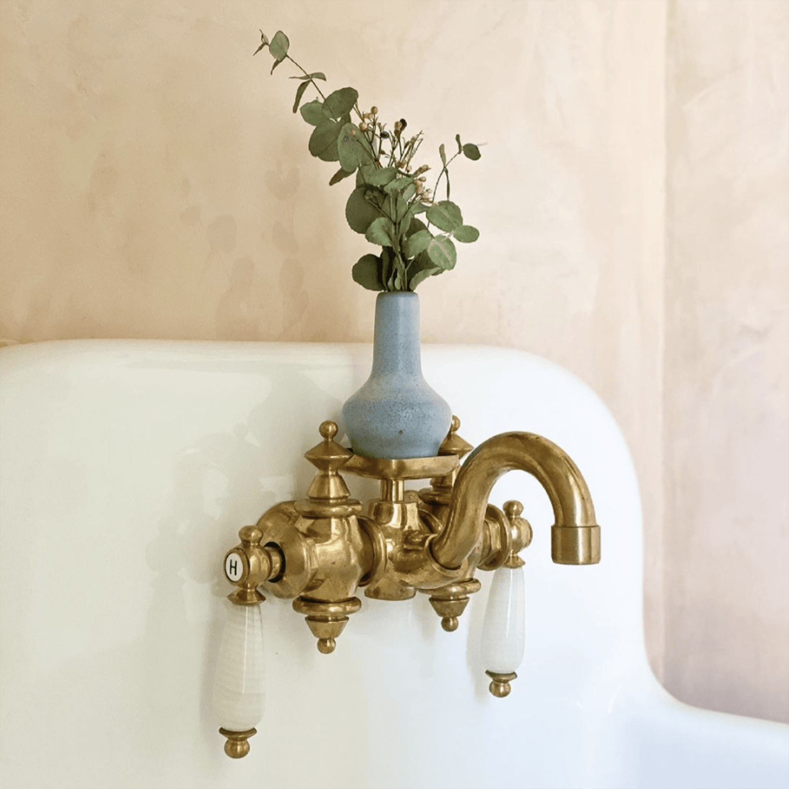 WatermarkFixtures Bath Porcelain Farm Sink with Non Lacquered Brass Montaigne Faucet