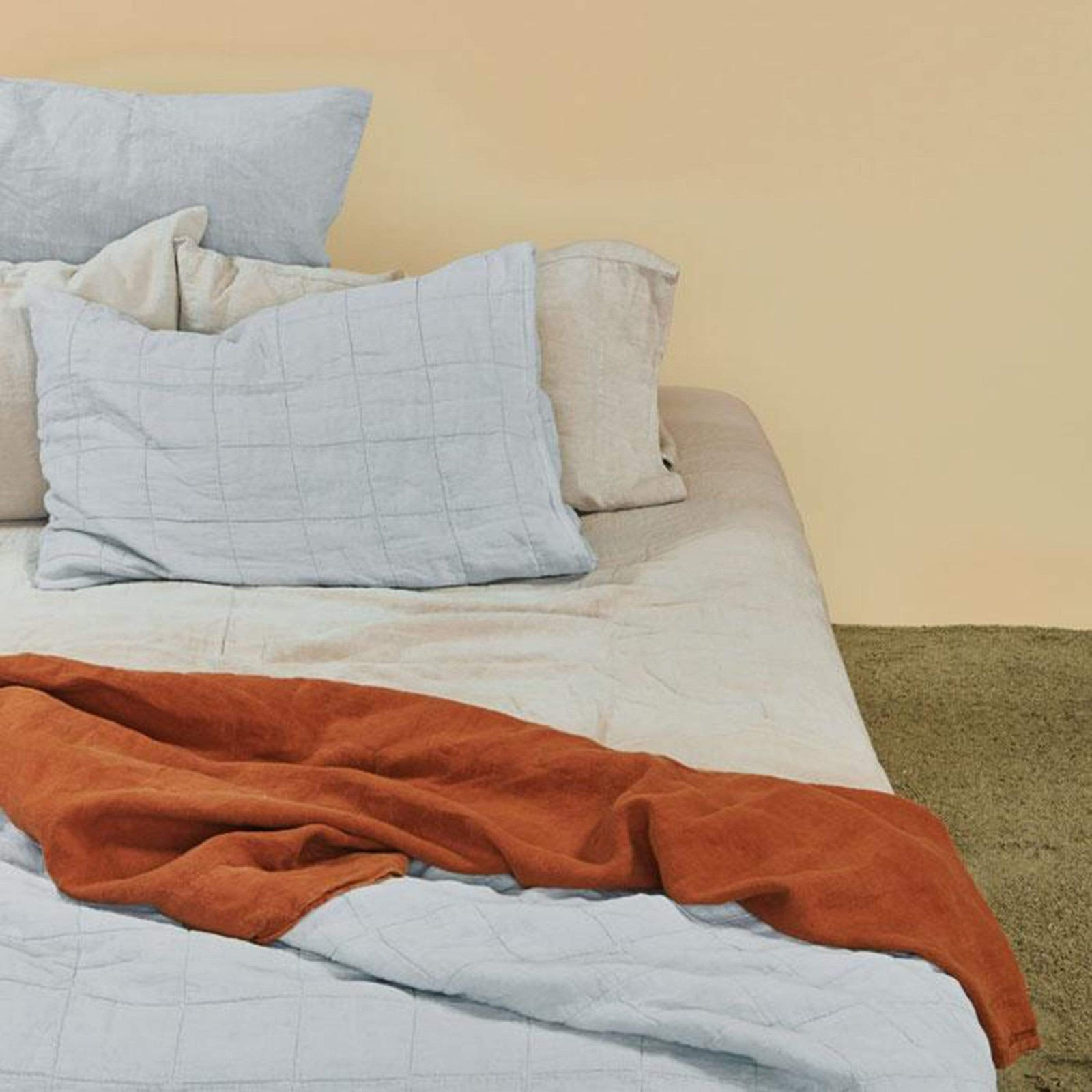 Hawkins New York Bedding Simple Linen Fitted Sheet