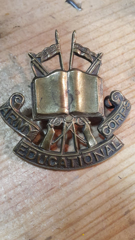 Army Educational Corps WW2 Brass Cap Badge