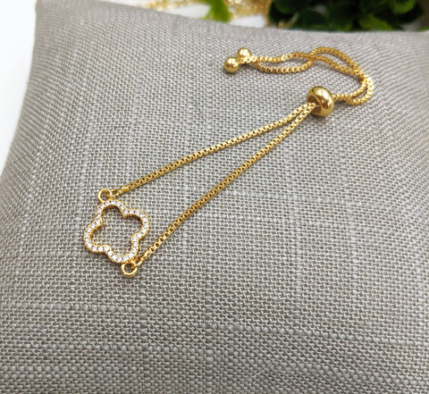 Small open clover adjustable bracelet