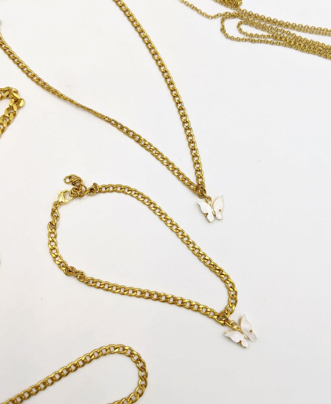 Dainty Gold Stainless Steel Cuban Link White Butterfly Choker