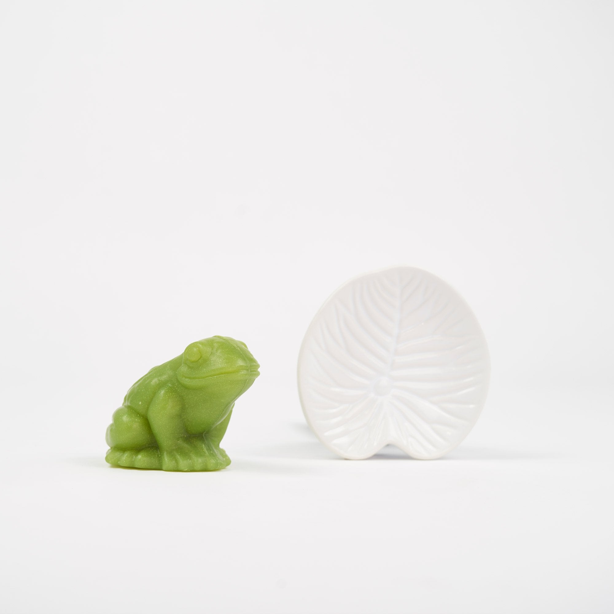 Magic Frog Shaped Soap with Lily-Pad Porcelain Dish