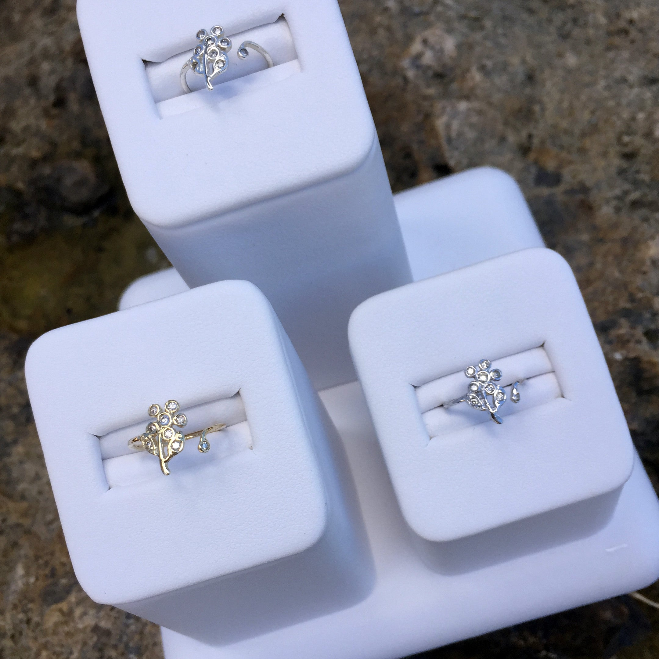 Deal Of the Day: Daisy Diamond Toe Ring