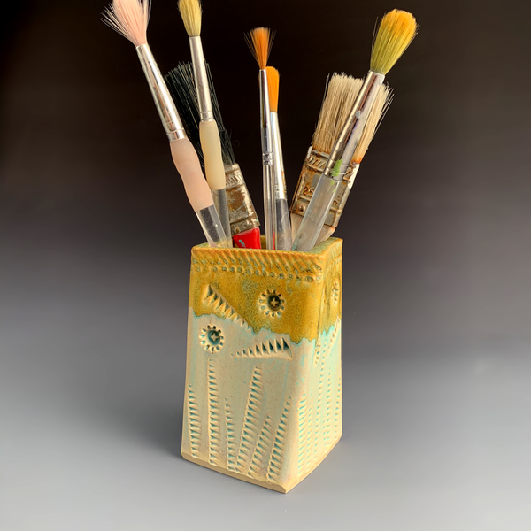 Twisted Pencil Holder