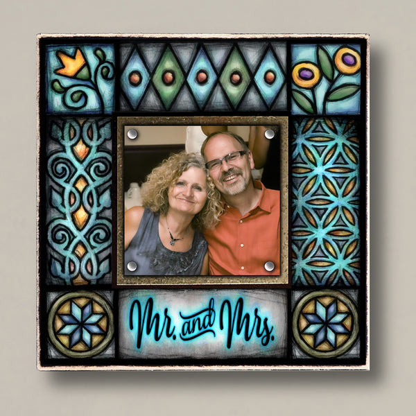 Mr. & Mrs. Small Frame