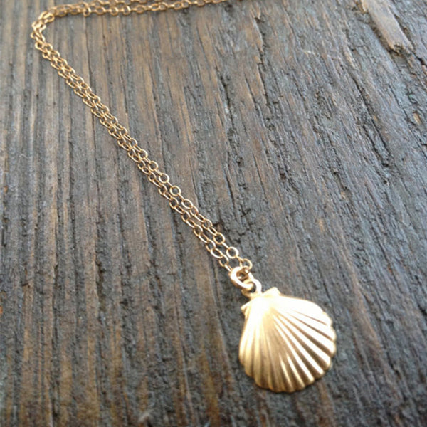 The Clam of Sea Necklace - 18k Gold Dipped - The Gorillas Den