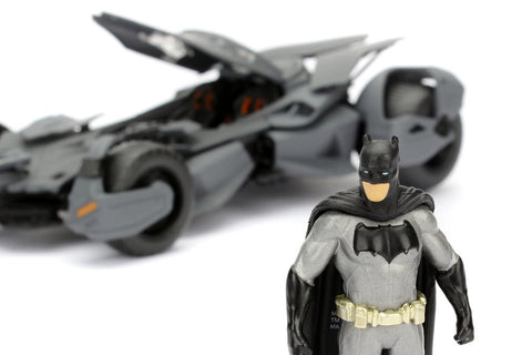 Batman - 2016 BvS Batmobile with Figure 1:24 Scale - Pre-Order
