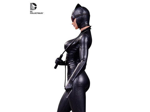 Batman - DC Comics Cover Girls Catwoman Statue