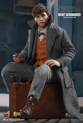 "Fantastic Beasts 2: Crimes of Grindelwald - Newt Scamander 12"" 1:6 Scale Action Figure - Pre-Order"