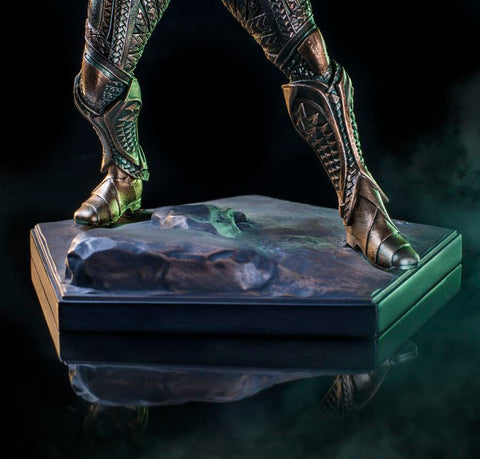 Justice League (2017) - Aquaman 1:10 Scale Statue - Pre-Order