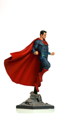 Justice League (2017) - Superman 1:10 Scale Statue - Pre-Order