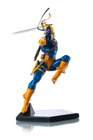 Batman - Deathstroke 1:10 Scale Statue
