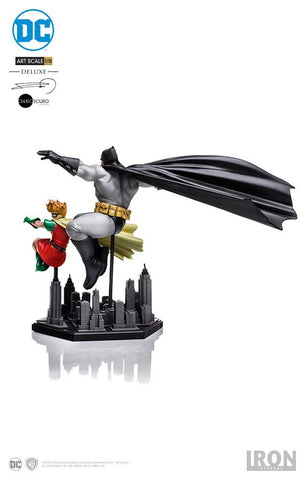 Batman: The Dark Knight Returns 1:10 Scale Statue - Pre-Order