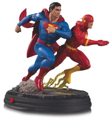 DC Gallery: Superman Vs. The Flash Racing Statue - Pre-Order