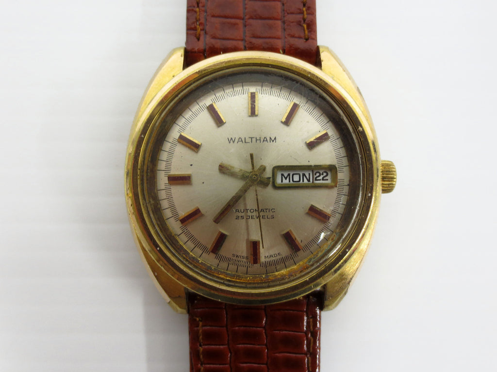 Vintage Waltham Automatic Watch 25 Jewels, Big 38mm Watch, Day/Date, Gold Tone
