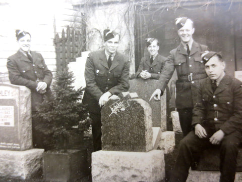 WWII 1940's Authentic Photo of 6 Young Soldiers Laughing Around Tombstones