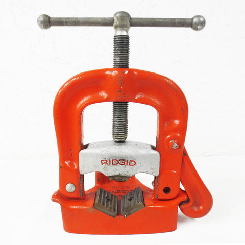 "Ridgid Pipe Clamp Bench Vise No 25, Pipe size 1/8"" to 4"", Yoke Style Pipe Vise"