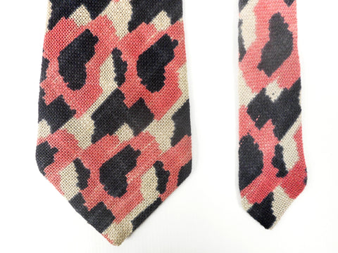 Vintage Pink Camo Necktie Signed Magis Italy, Blue Pink White Camo, Wool, 54""