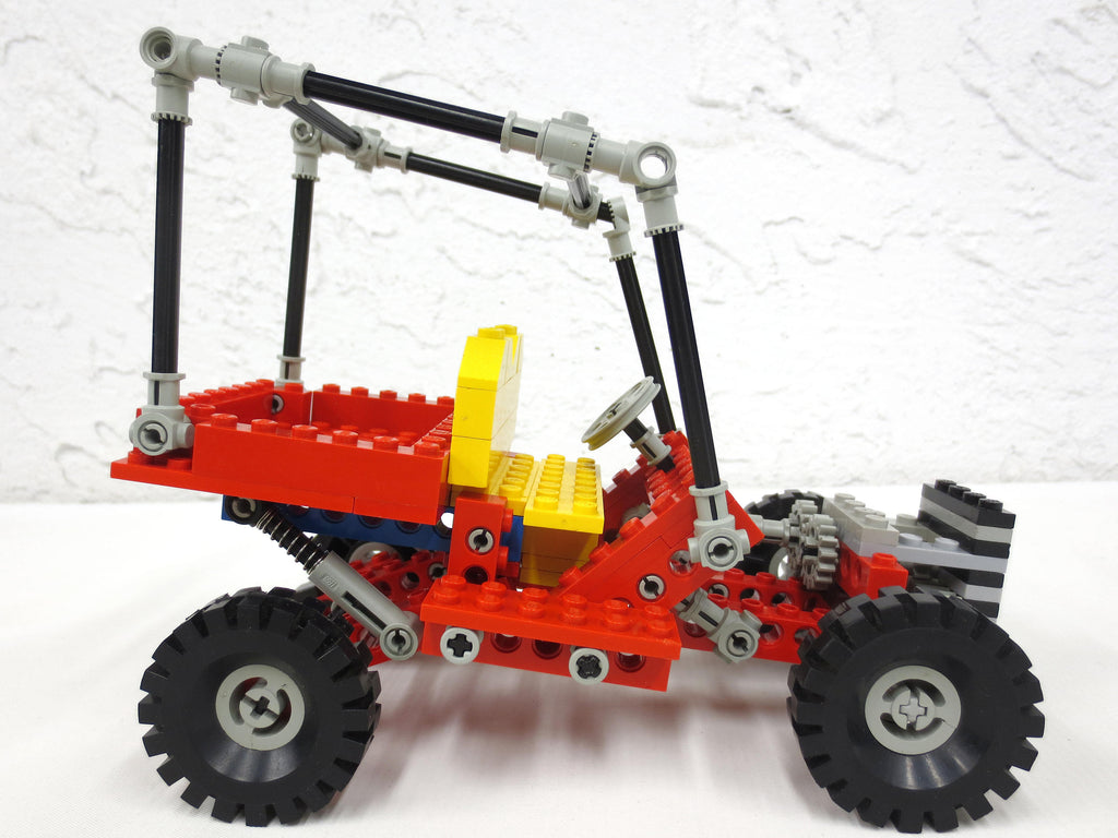 Vintage 1981 Lego Legoland Red Technic Dune Buggy 8845 Car Vehicule, Suspension, Red and Yellow