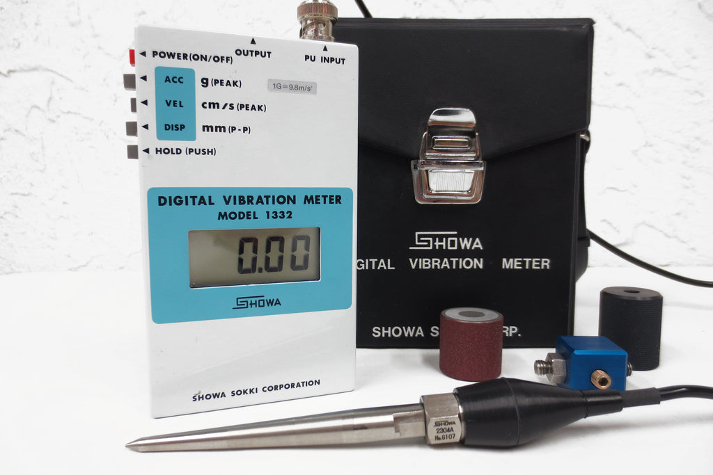 Digital Vibration Meter Instrument by Showa Sokki Japan Model 1332, Complete Accessories, Case & Manual, Perfect Condition