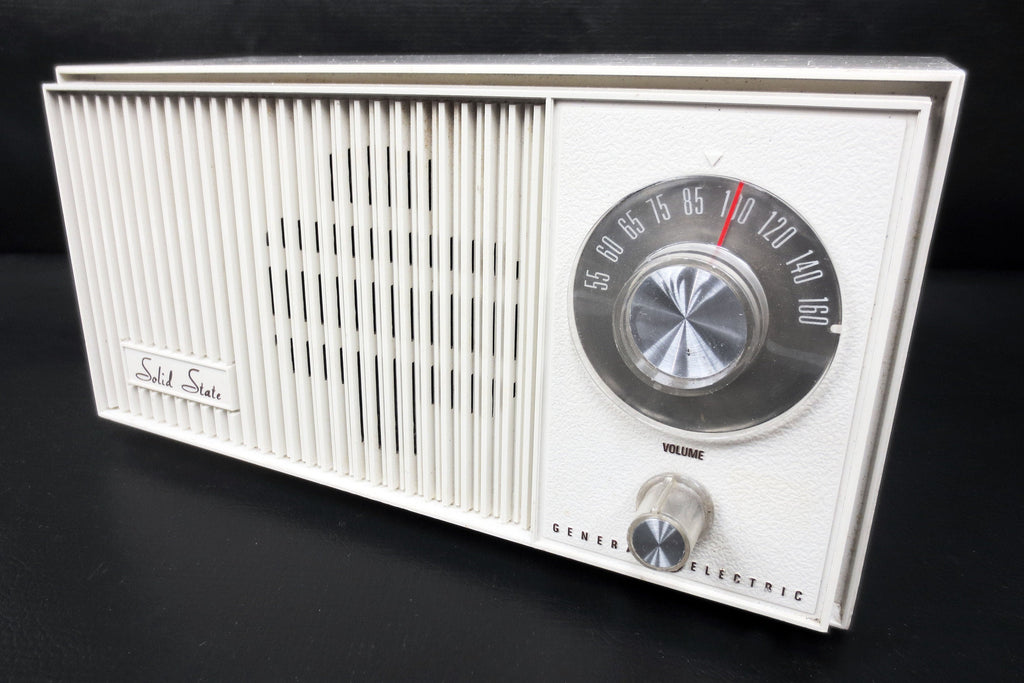 "Vintage General Electric Solid State AM Radio, 11X5"" Beige, Model TA 200A VY"
