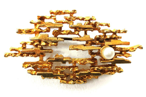 Vintage Mid Century Brutalist Gold Plated Brooch with Pearl, Abstract Weaves