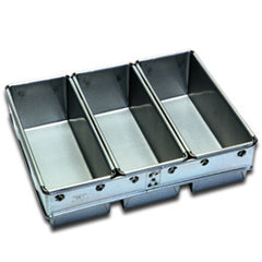 3 x 900g Loaf Pan Set
