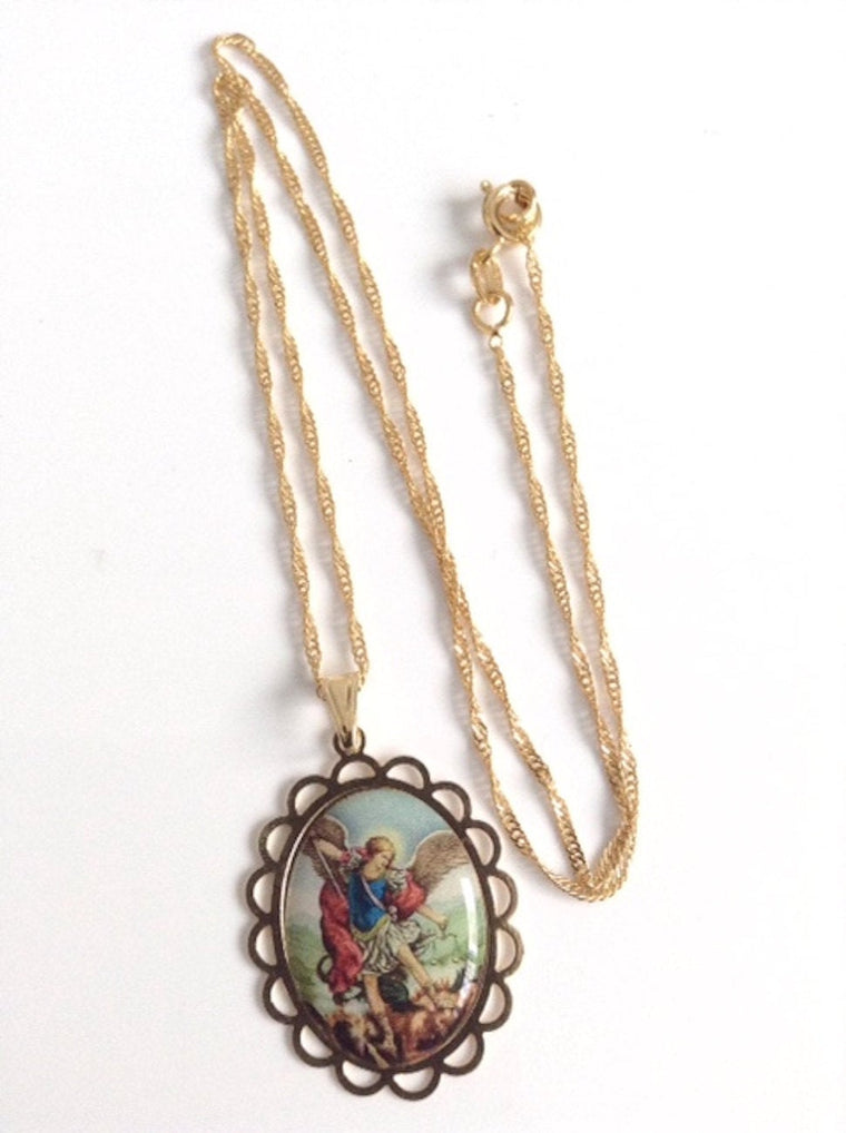 St Michael Medal Necklace - Cadena San Miguel Arcangel Pendant - 18k Gold plated chain
