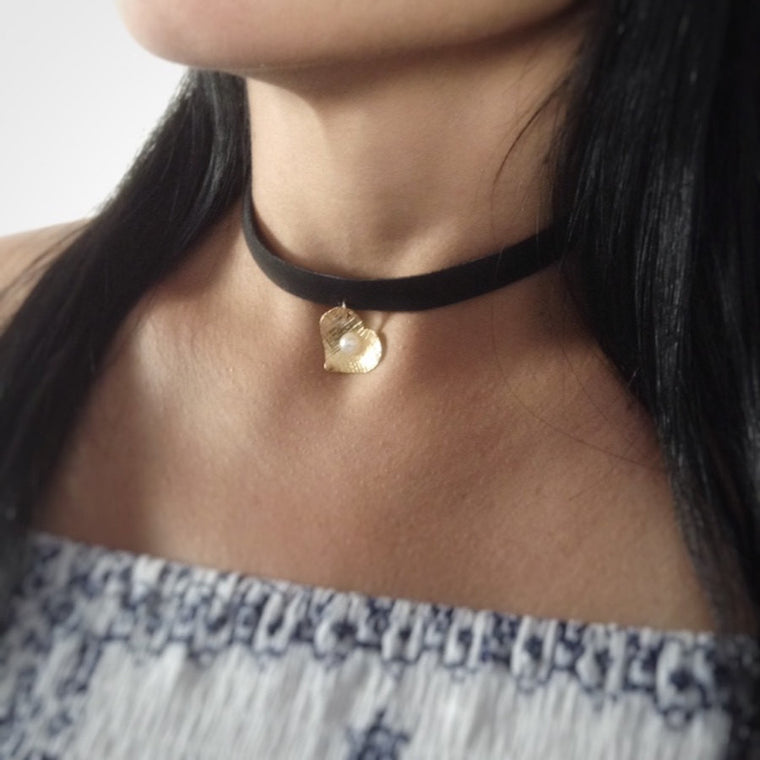Black choker necklace handmade heart gold plated pendant - Leather chokers for women