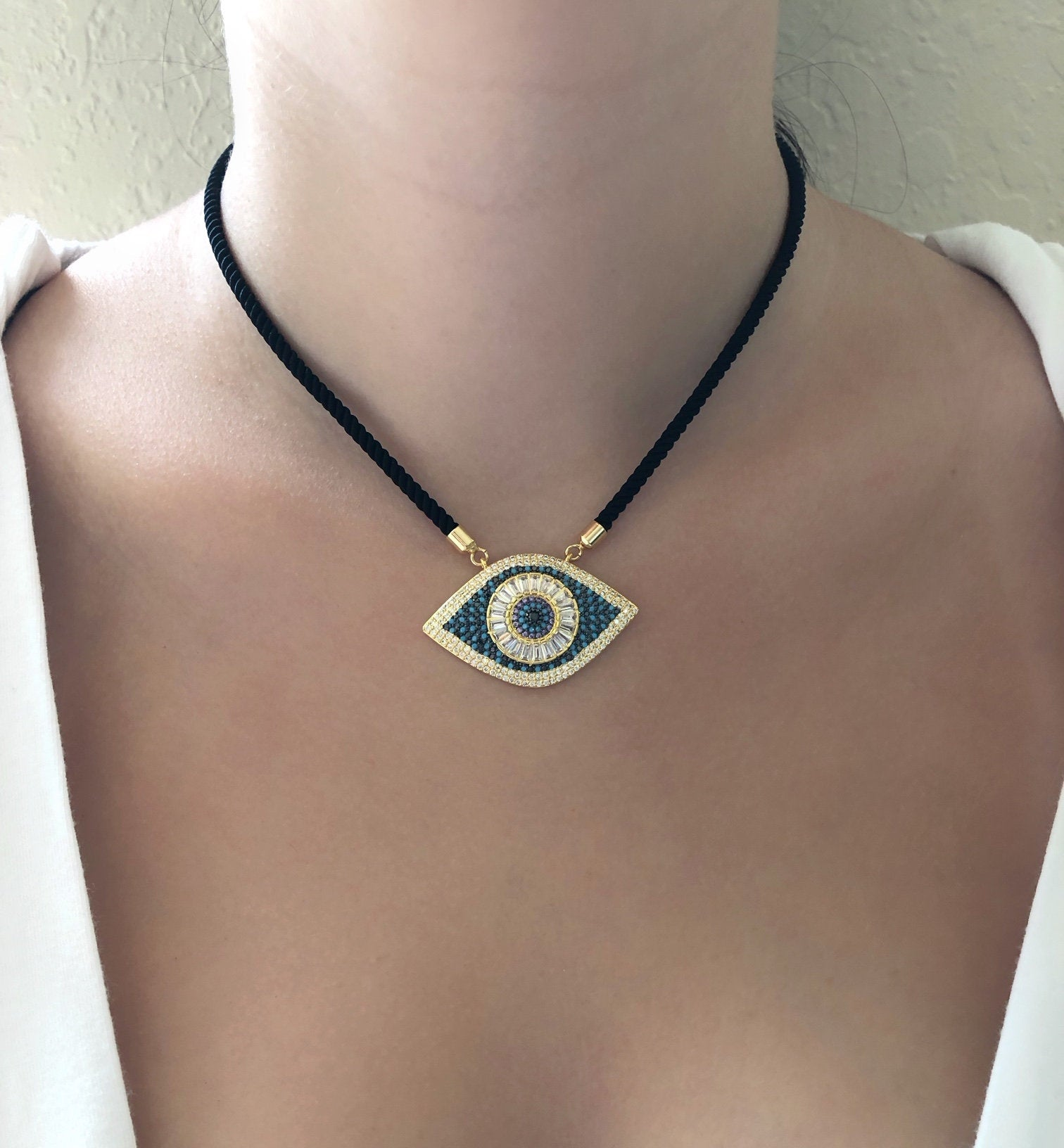 Evil Eye Catching Necklace