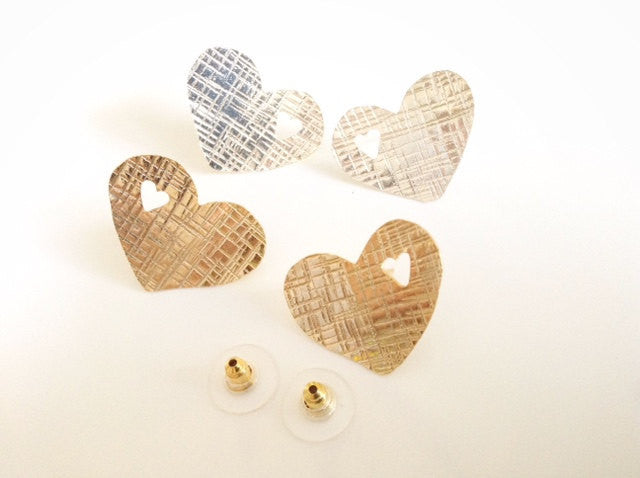 Heart Studs Earrings - Zarcillos Calados