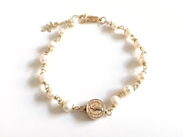 Gold St. Benedict Medal Bracelet Fresh water Pearls Adjustable Bracelet Gold and Pearls Bracelet, gold filled pendant, Medalla San Benito