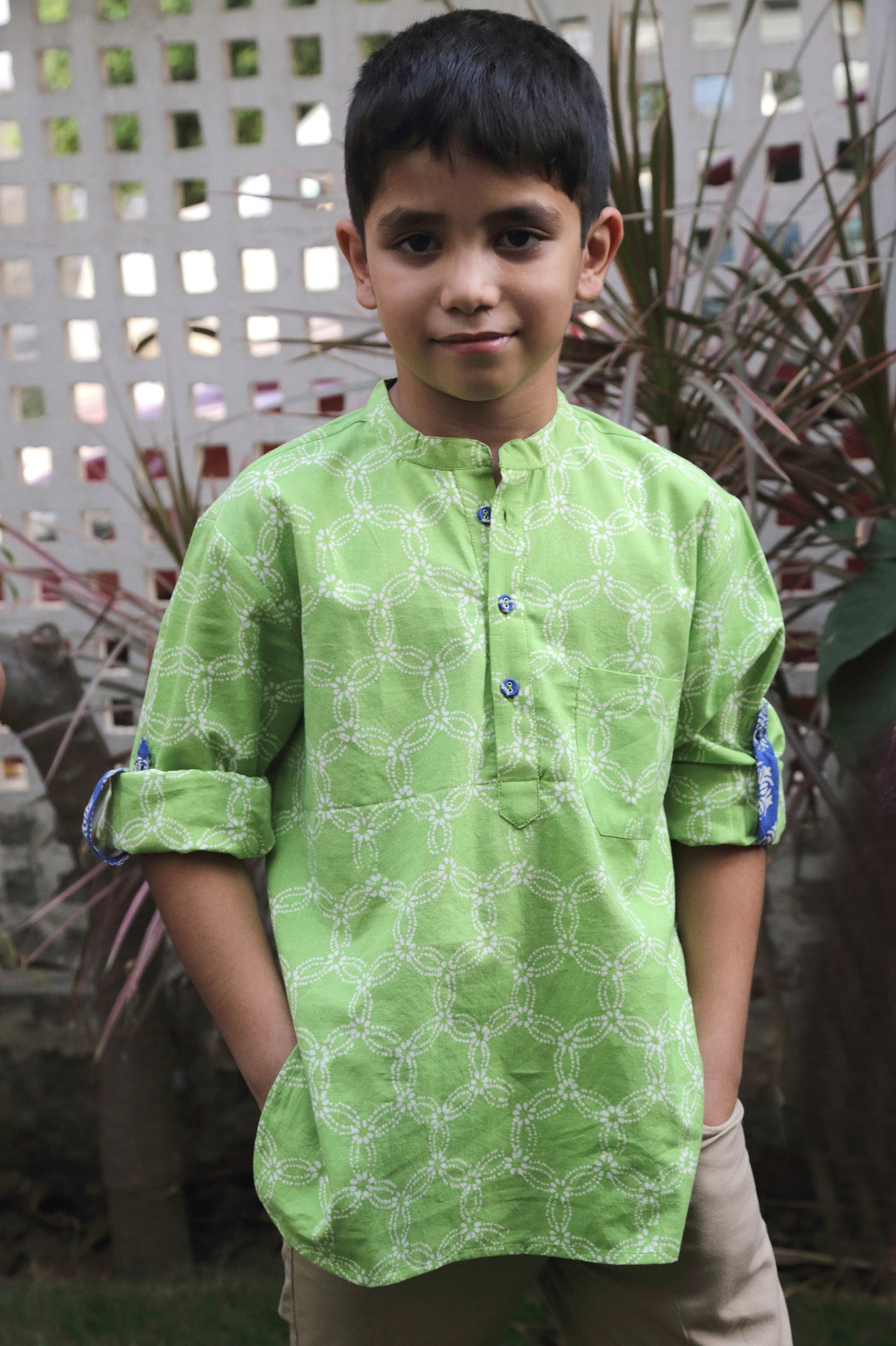 Short Kurta w/ Roll-up Sleeves