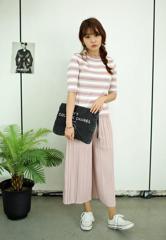Pleated Wide-Legged Pants in Pink