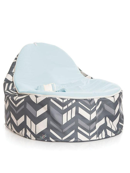 Chibebe Snuggle Pod baby beanbag in Chevron design with Blue seat top