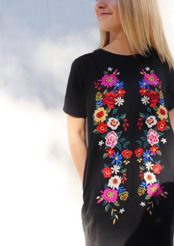 Poppy Embroidered Shift Dress [Black]