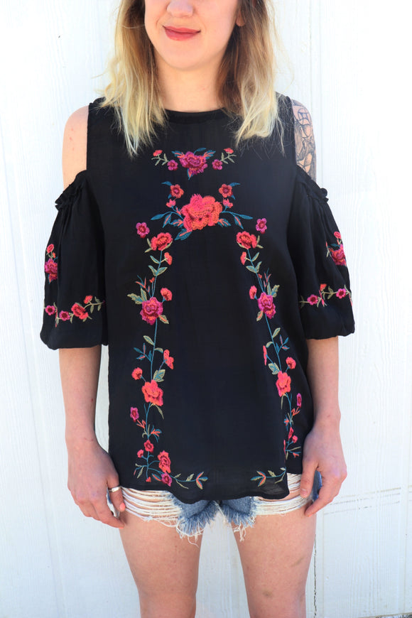 Juliet Cold Shoulder Top [Black]